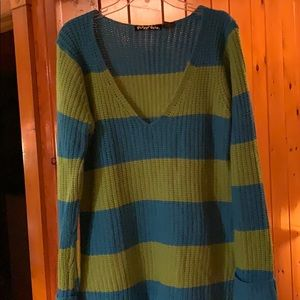 Planet Gold Turquoise/light olive sweater Sz XL